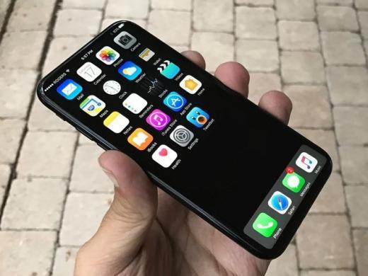 Для iPhone 8 пророчат изогнутый пластиковый дисплей