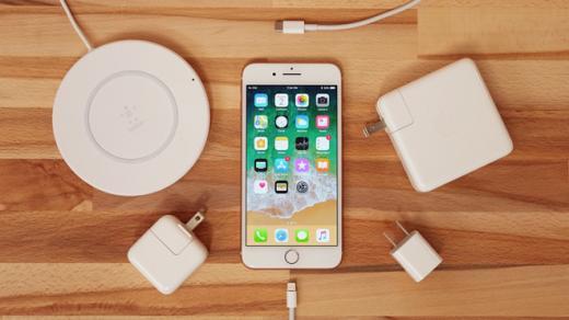 Новые iPhone смогут заряжаться быстрей